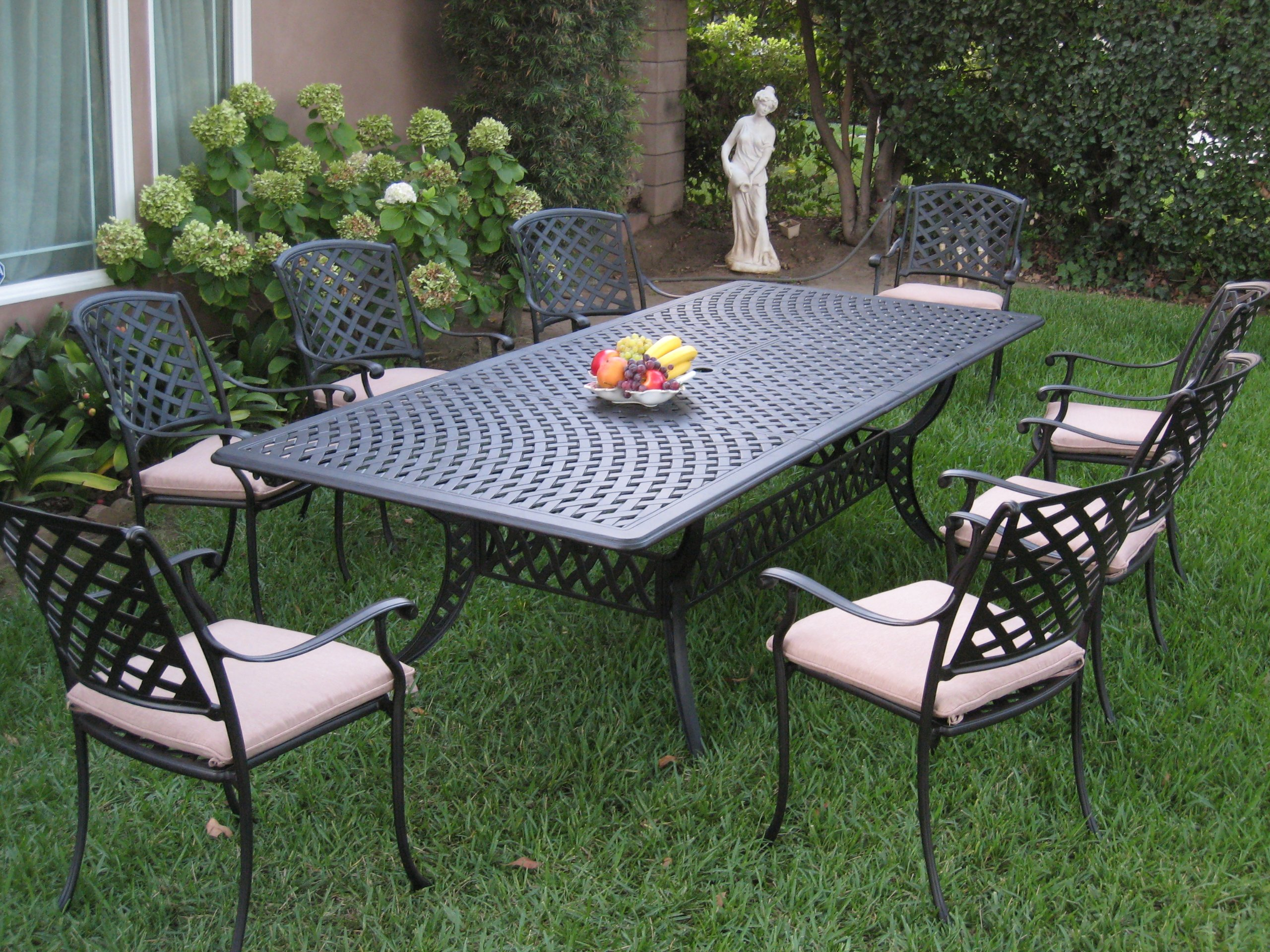 Aluminum Sling Patio Furniture. Comfortable Seating for Outdoor Settings